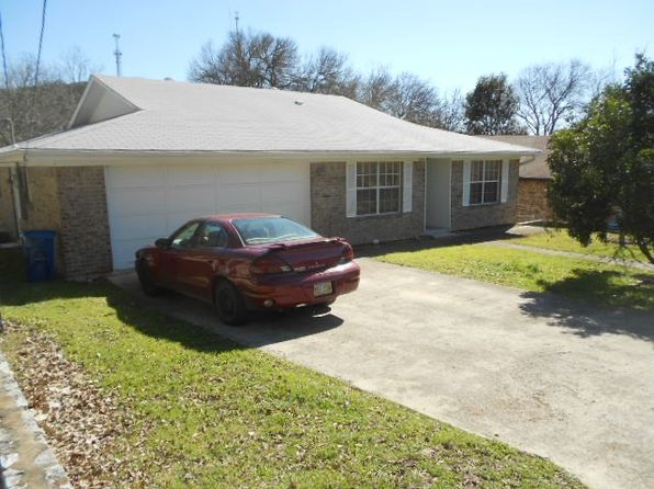 3 bed 2 bath Single Family at 1207 Barbara Ann St Kerrville, TX, 78028 is for sale at 173k - 1 of 16