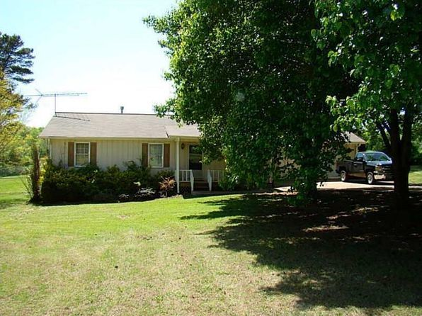 3 bed 2 bath Single Family at 10561 E Cherokee Dr Canton, GA, 30115 is for sale at 200k - 1 of 3