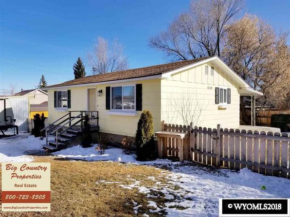 2 bed 1 bath Single Family at 1224 Center St Evanston, WY, 82930 is for sale at 117k - 1 of 14
