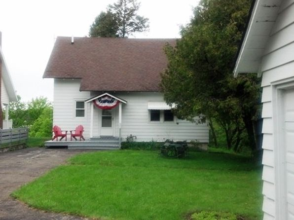 4 bed 2 bath Single Family at 218 Belvedere Ave Charlevoix, MI, 49720 is for sale at 379k - 1 of 25