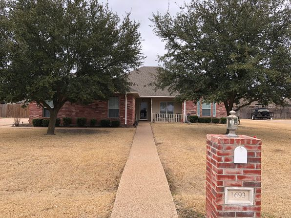 4 bed 2 bath Single Family at 1693 W Tate St Robinson, TX, 76706 is for sale at 230k - 1 of 23
