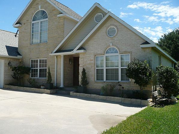 4 bed 3 bath Single Family at 100 Spring Lake Dr Montgomery, TX, 77356 is for sale at 220k - google static map