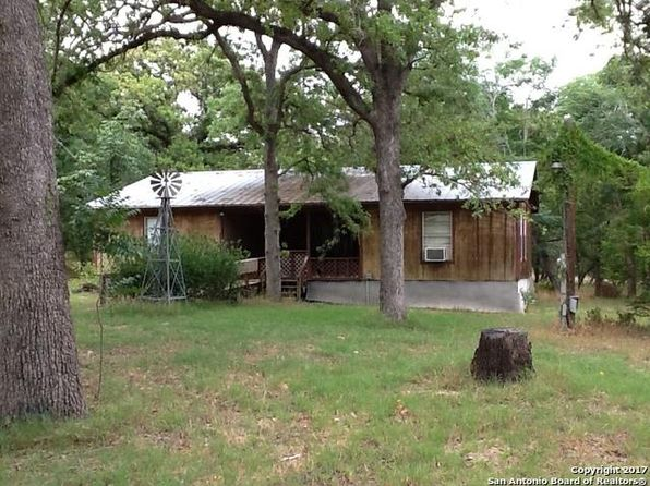 2 bed 1 bath Single Family at 134 Flores Oaks Dr Floresville, TX, 78114 is for sale at 90k - 1 of 5