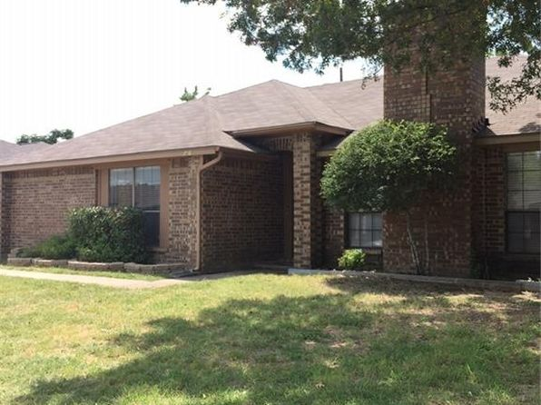2 bed 2 bath Multi Family at 726 Lemons St Cedar Hill, TX, 75104 is for sale at 92k - 1 of 19