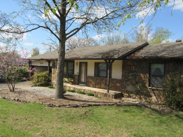 3 bed 2 bath Single Family at 519 W 33rd St Joplin, MO, 64804 is for sale at 100k - google static map