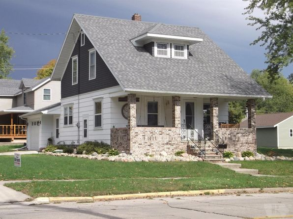 3 bed 2 bath Single Family at 900 Main Ave Clear Lake, IA, 50428 is for sale at 175k - 1 of 12