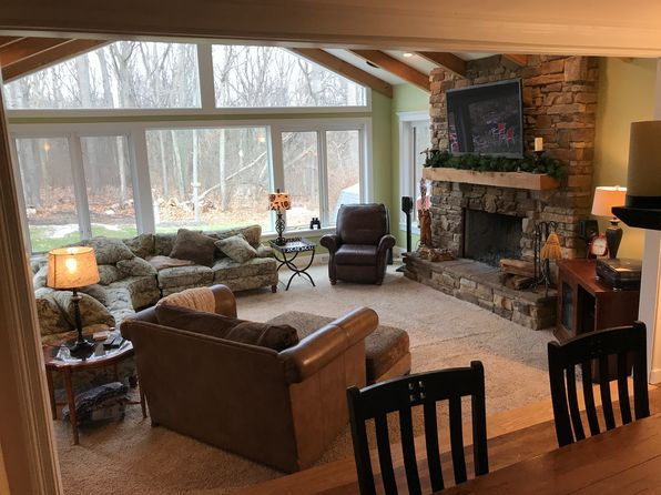 4 bed 3 bath Single Family at 465 Treeside Dr Stow, OH, 44224 is for sale at 268k - google static map