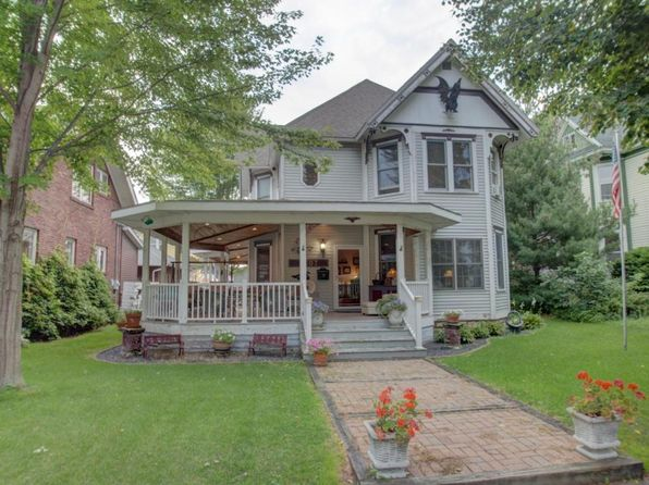 3 bed 3 bath Single Family at 1607 Wood St La Crosse, WI, 54603 is for sale at 215k - 1 of 26