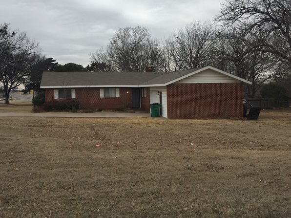 4 bed 2 bath Single Family at 809 E Highway 82 Nocona, TX, 76255 is for sale at 80k - 1 of 11