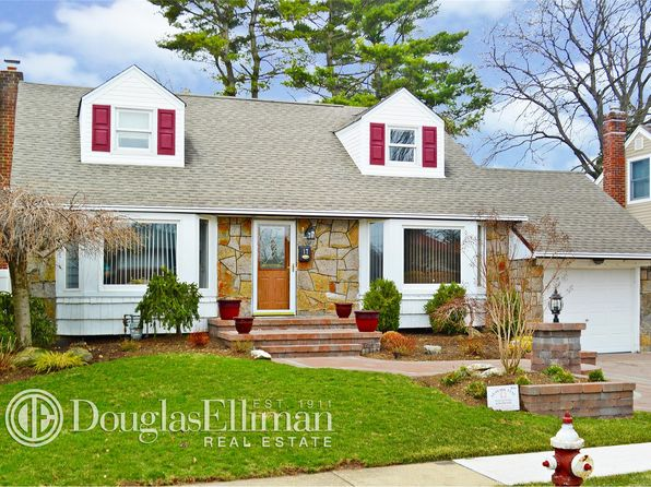 4 bed 1.5 bath Single Family at 17 Leonard Rd Syosset, NY, 11791 is for sale at 509k - 1 of 25