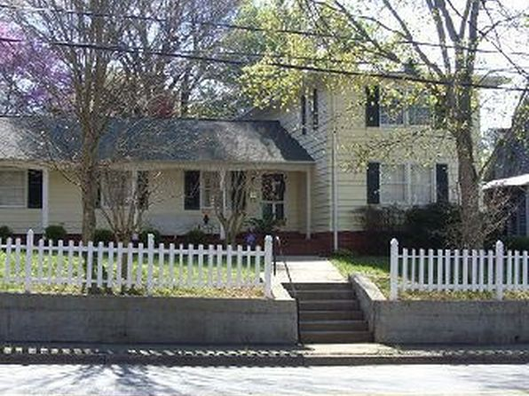 4 bed 2 bath Single Family at 411 N GROVE ST LINCOLNTON, NC, 28092 is for sale at 175k - 1 of 19
