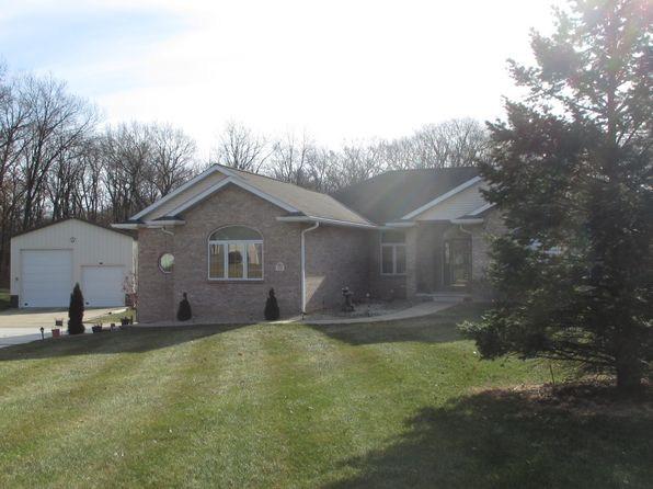 3 bed 4 bath Single Family at 5128 S Country Meadows Rd Peoria, IL, 61607 is for sale at 390k - 1 of 55
