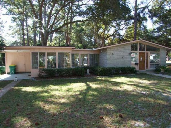 3 bed 1.5 bath Single Family at 1 Austin Ln Jekyll Island, GA, 31527 is for sale at 379k - 1 of 11