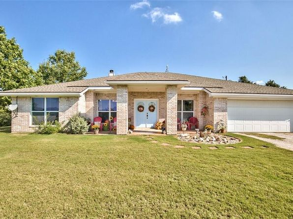 4 bed 3 bath Single Family at 105 Bronco Ln Springtown, TX, 76082 is for sale at 350k - 1 of 36