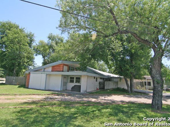 2 bed 2 bath Single Family at 1102 Florence St Castroville, TX, 78009 is for sale at 125k - 1 of 12