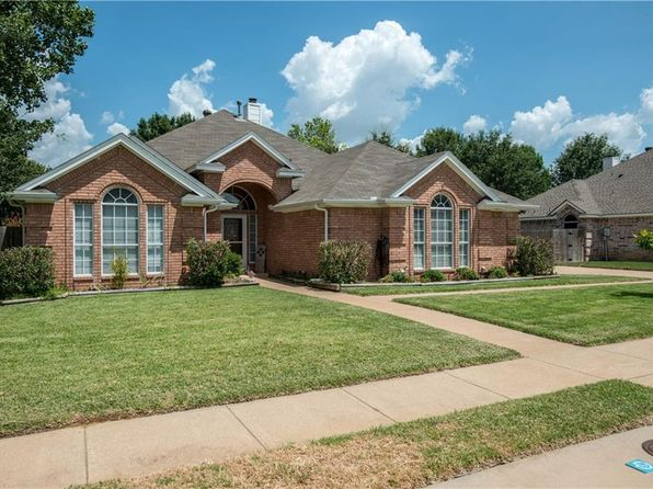 4 bed 2 bath Single Family at 7332 Oak Ridge Dr North Richland Hills, TX, 76182 is for sale at 280k - 1 of 33