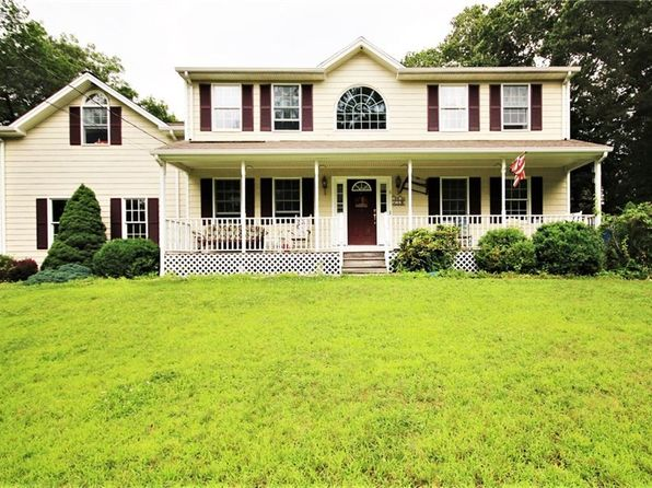 4 bed 2.5 bath Single Family at 8 Dexter Rock Rd Lincoln, RI, 02865 is for sale at 434k - 1 of 24