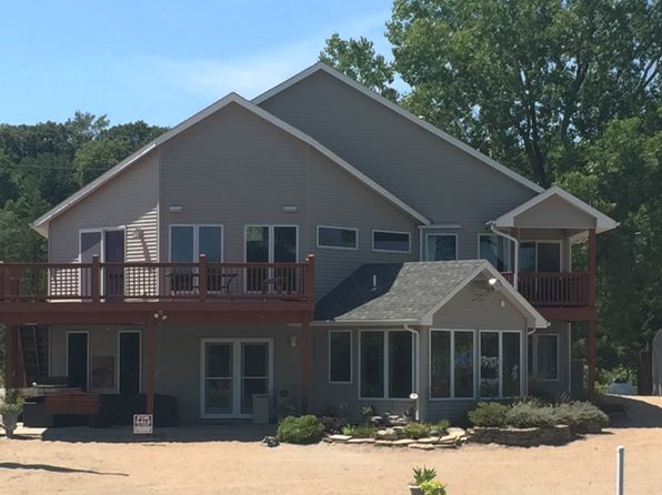 5 bed 3 bath Single Family at 980 County Rd W Fremont, NE, 68025 is for sale at 558k - 1 of 57