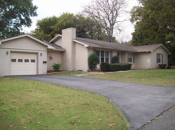 4 bed 2 bath Single Family at 109 Sunny Chat Pl Glasgow, KY, 42141 is for sale at 204k - 1 of 11