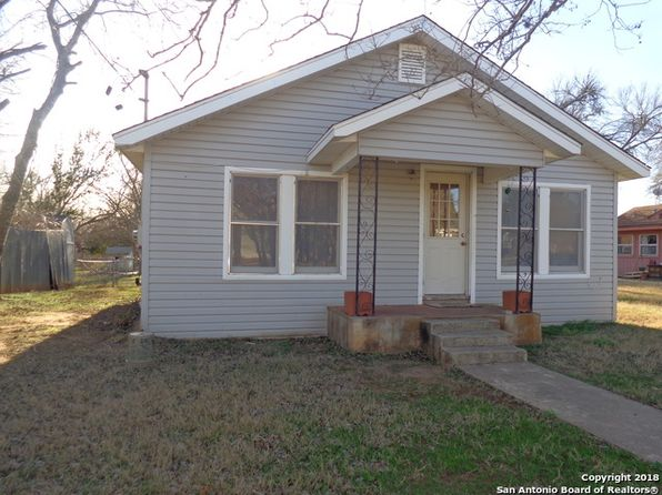 3 bed 1 bath Single Family at 1509 7TH ST FLORESVILLE, TX, 78114 is for sale at 76k - 1 of 13