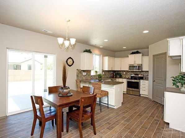4 bed 2.5 bath Single Family at 1254-LOT 136 Hill Ave Sisters, OR, 97759 is for sale at 364k - 1 of 14