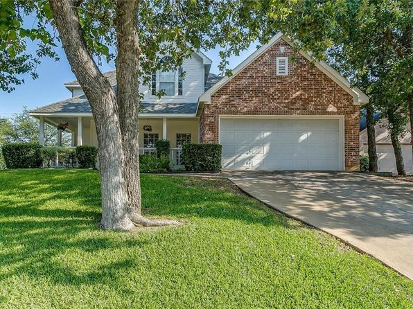 4 bed 3 bath Single Family at 901 Forest Hollow Dr Hurst, TX, 76053 is for sale at 279k - 1 of 32