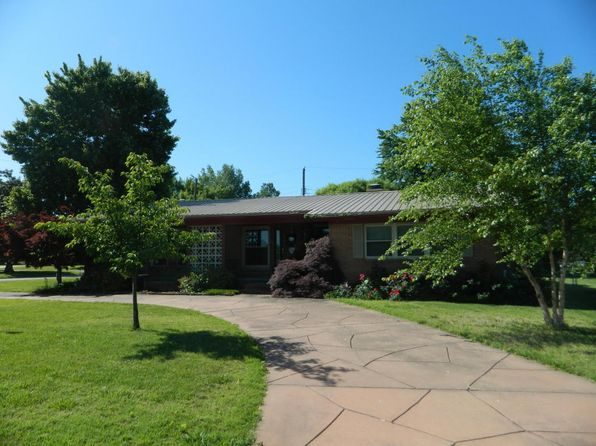 3 bed 2 bath Single Family at 1936 Cleveland St Miami, OK, 74354 is for sale at 115k - 1 of 23