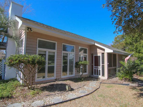 3 bed 2 bath Single Family at 201 Windjammer E Emerald Isle, NC, 28594 is for sale at 305k - 1 of 28