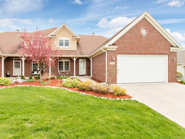 3 bed 5 bath Condo at 582 S Stone Ridge Dr Lake Geneva, WI, 53147 is for sale at 415k - 1 of 25
