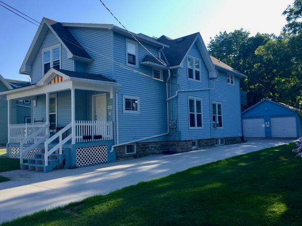 4 bed 2 bath Multi Family at 1015 N Morrison St Appleton, WI, 54911 is for sale at 140k - 1 of 13