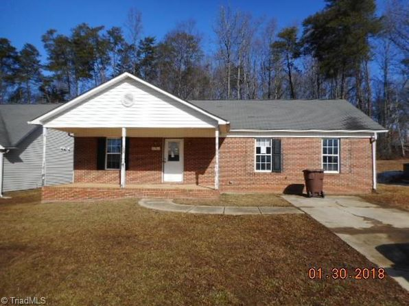 3 bed 2 bath Single Family at 211 COLLINSWOOD LN GREENSBORO, NC, 27405 is for sale at 85k - 1 of 13