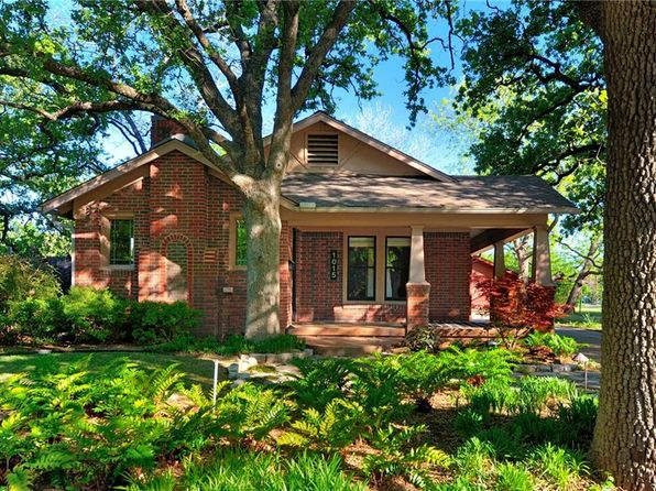 2 bed 2 bath Single Family at 1015 W Frey St Stephenville, TX, 76401 is for sale at 260k - 1 of 32