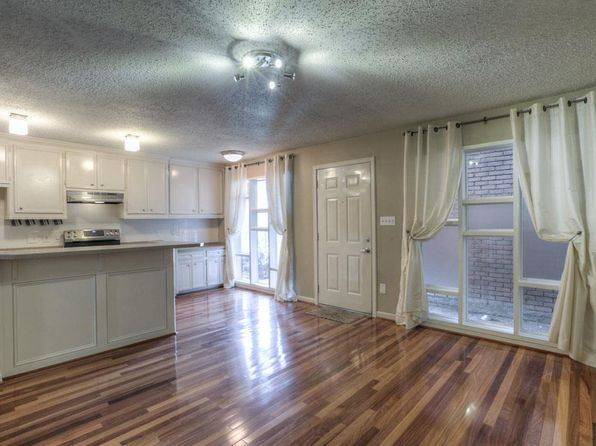 2 bed 2 bath Townhouse at 3502 Burlington St Houston, TX, 77006 is for sale at 195k - 1 of 22