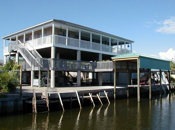 2 bed 2 bath Single Family at 199 7TH AVE W HORSESHOE BEACH, FL, 32648 is for sale at 335k - 1 of 29