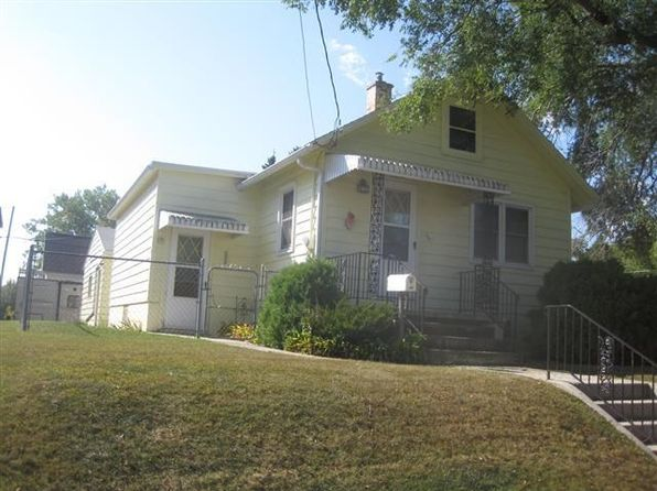 2 bed 1 bath Single Family at 1223 Grand Ave Manitowoc, WI, 54220 is for sale at 30k - 1 of 5