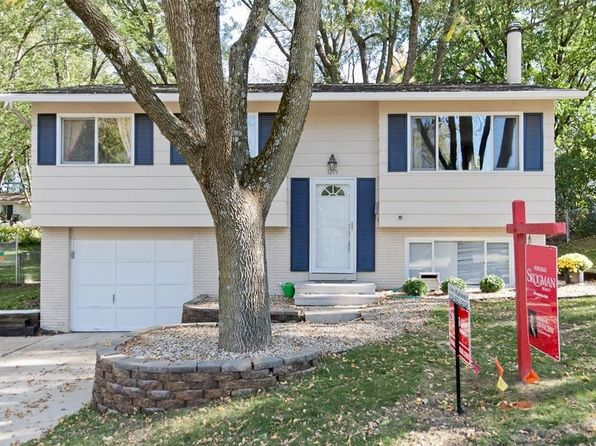 3 bed 1 bath Single Family at 1215 Elm St Marion, IA, 52302 is for sale at 125k - 1 of 24