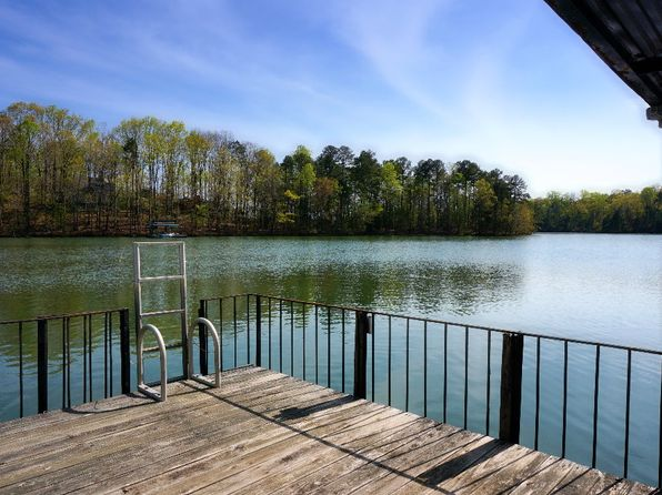 2 bed 2 bath Single Family at 8915 Barron Cir Gainesville, GA, 30506 is for sale at 390k - 1 of 20
