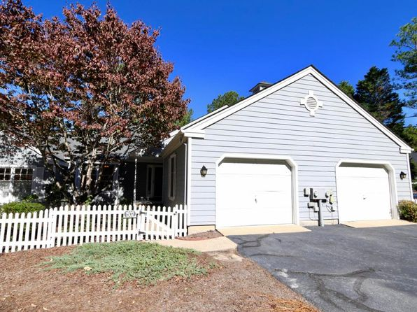 2 bed 2 bath Townhouse at 1502 Mount Washington Cir Pinehurst, NC, 28374 is for sale at 140k - 1 of 28