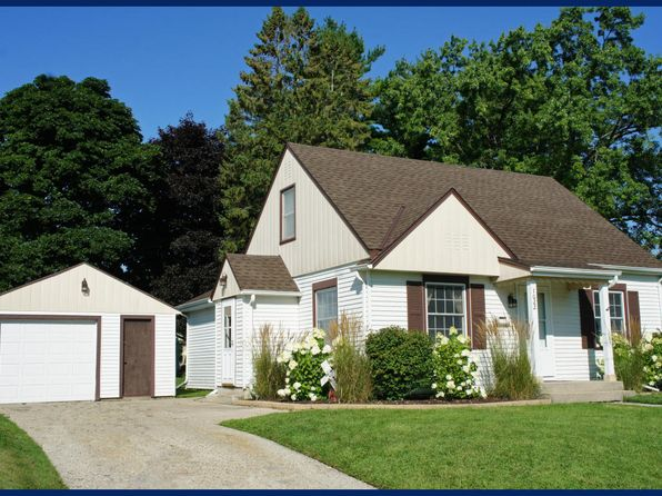 3 bed 1 bath Single Family at 1022 Birchwood Dr West Bend, WI, 53095 is for sale at 155k - 1 of 16