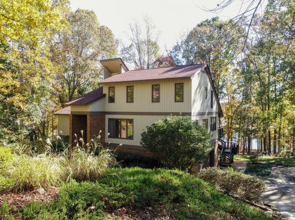 4 bed 3 bath Single Family at 7 Osceola Trl Fair Play, SC, 29643 is for sale at 400k - 1 of 35
