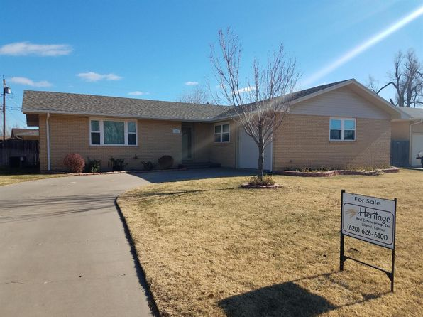 3 bed 2 bath Single Family at 1521 N Roosevelt Ave Liberal, KS, 67901 is for sale at 147k - 1 of 18
