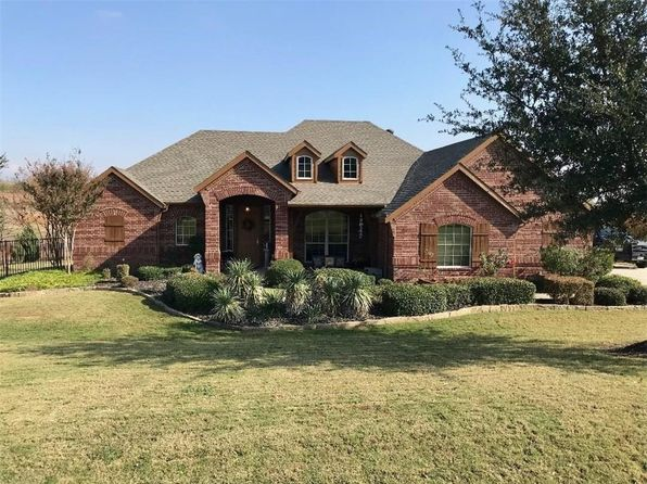 3 bed 2 bath Single Family at 10500 San Simeon Ln Fort Worth, TX, 76179 is for sale at 340k - 1 of 24