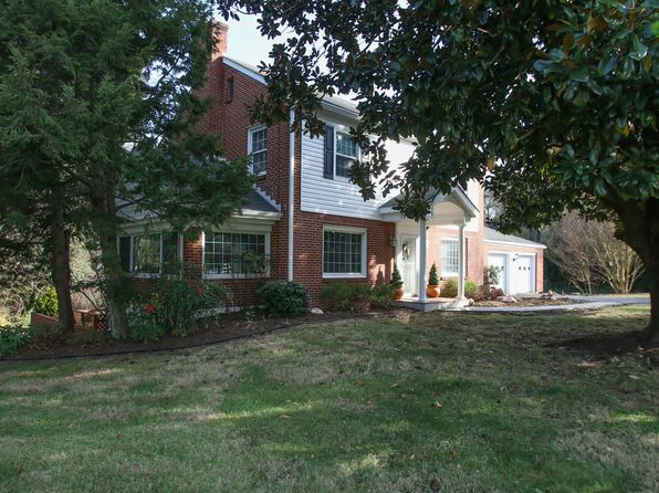 3 bed 2 bath Single Family at 3576 Mudlick Rd SW Roanoke, VA, 24018 is for sale at 250k - 1 of 19