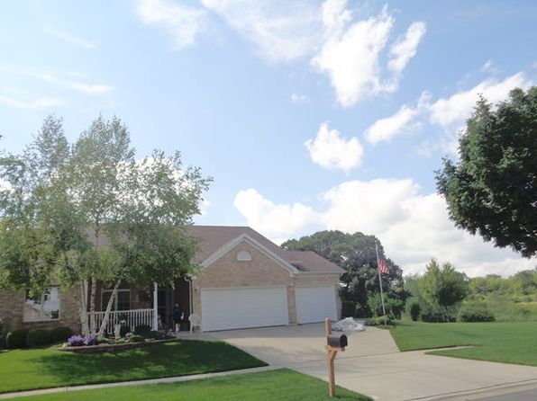 3 bed 3 bath Single Family at 860 N Lyle Ave Elgin, IL, 60123 is for sale at 320k - google static map