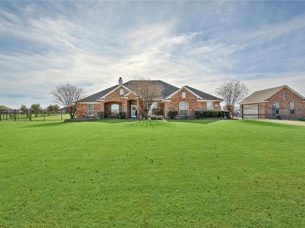 4 bed 3 bath Single Family at 1925 Saw Tooth Ct Haslet, TX, 76052 is for sale at 388k - 1 of 36