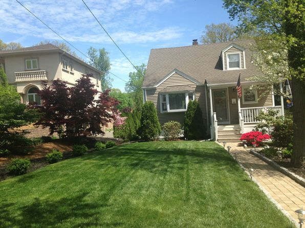 3 bed 2 bath Single Family at 46 Ridge Ave Park Ridge, NJ, 07656 is for sale at 435k - 1 of 14