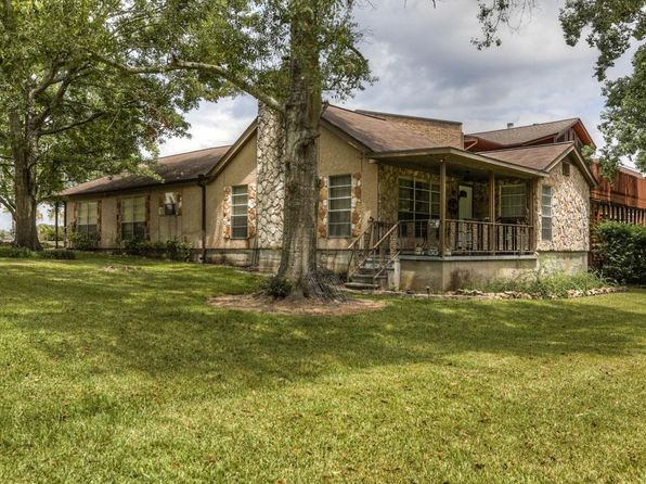 3 bed 2 bath Single Family at 158 April Cv Montgomery, TX, 77356 is for sale at 167k - 1 of 32