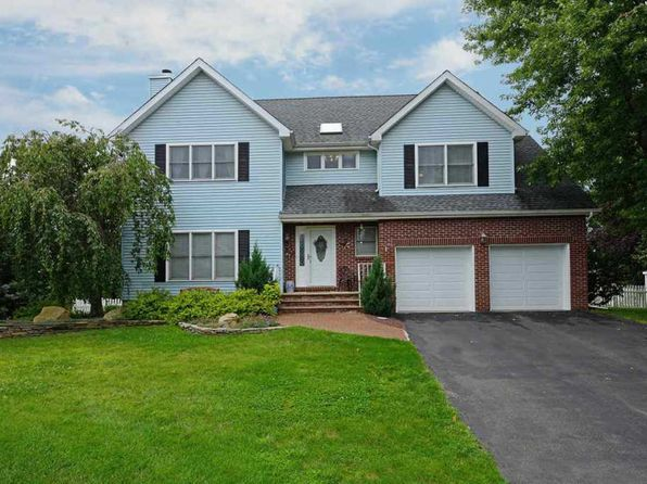 3 bed 3 bath Single Family at 6 Hegeman Close Hillsborough, NJ, 08844 is for sale at 499k - 1 of 15