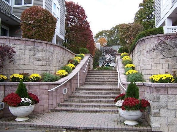 2 bed 3 bath Condo at 453 E PUTNAM AVE GREENWICH, CT, 06830 is for sale at 629k - 1 of 28