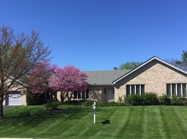 4 bed 3 bath Single Family at 1 Heather Ln Hawthorn Woods, IL, 60047 is for sale at 380k - 1 of 21